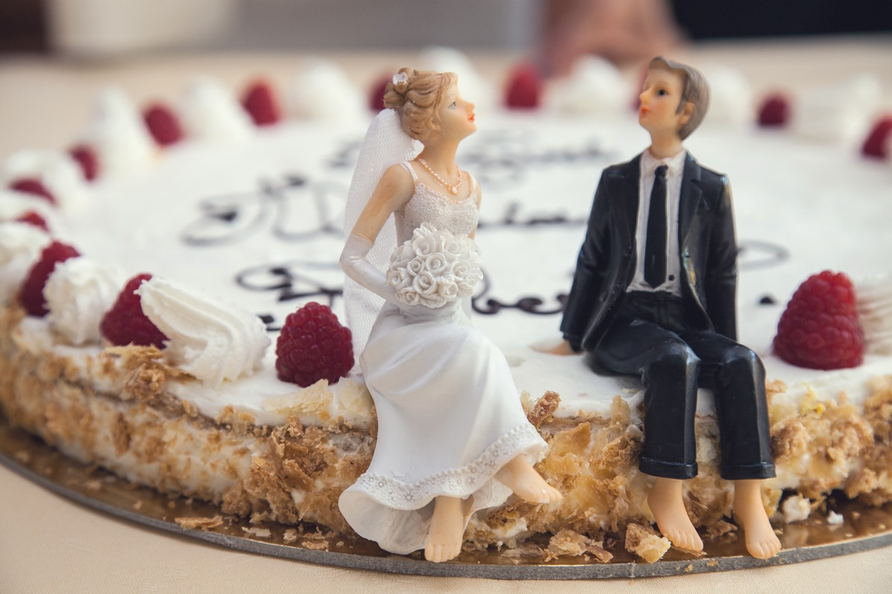 6 Pretty Wedding Cakes we Spotted in Kashmiri Weddings